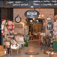 Bazi Bazár - Bálna